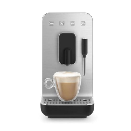 Smeg Volautomatische Koffiemachine Medium Zwart